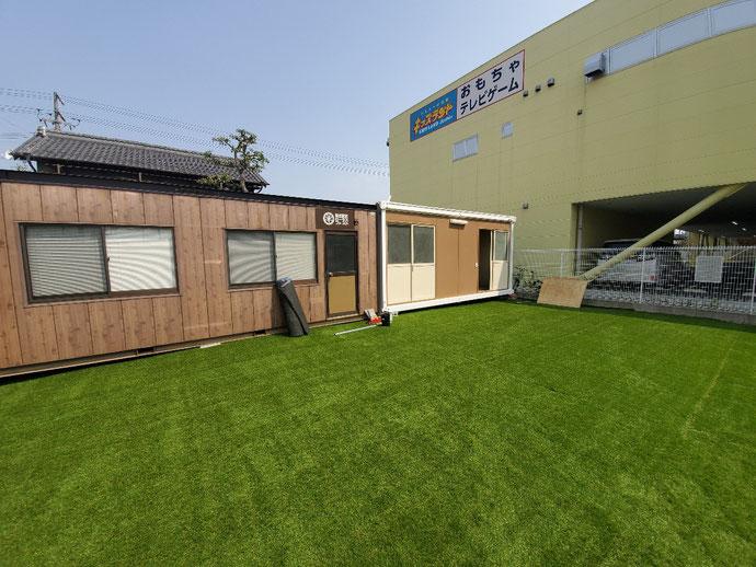 愛知県一宮市 4坪ハウス 引戸×2箇所ライトブラウン塗装設置