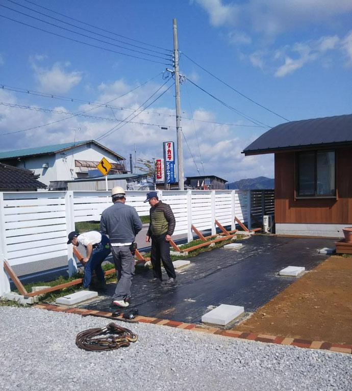 滋賀県湖北町 NEWVANコンテナ20ftアイボリー設置