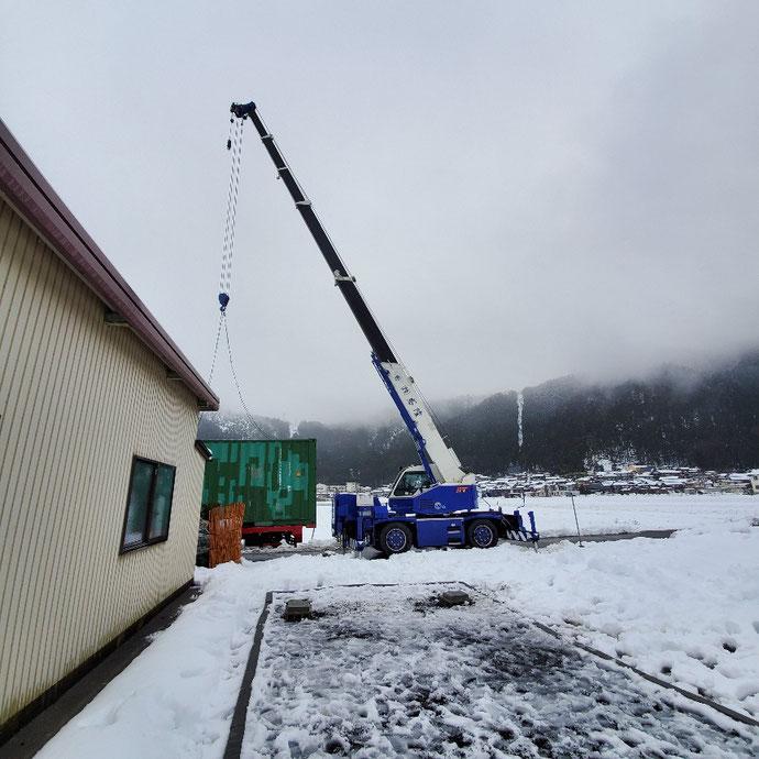 滋賀県伊香郡 中古コンテナ20ftシャッター付ステンフード・ウレタン吹付塗装納品
