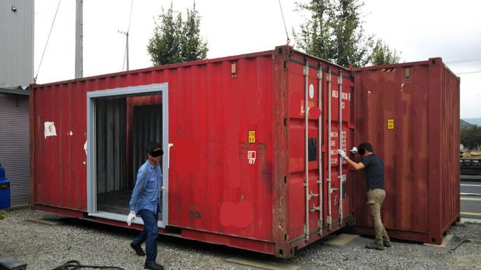 岐阜県岐阜市 中古コンテナ20ftシャッターカット加工、40ftハイキューブカット加工設置