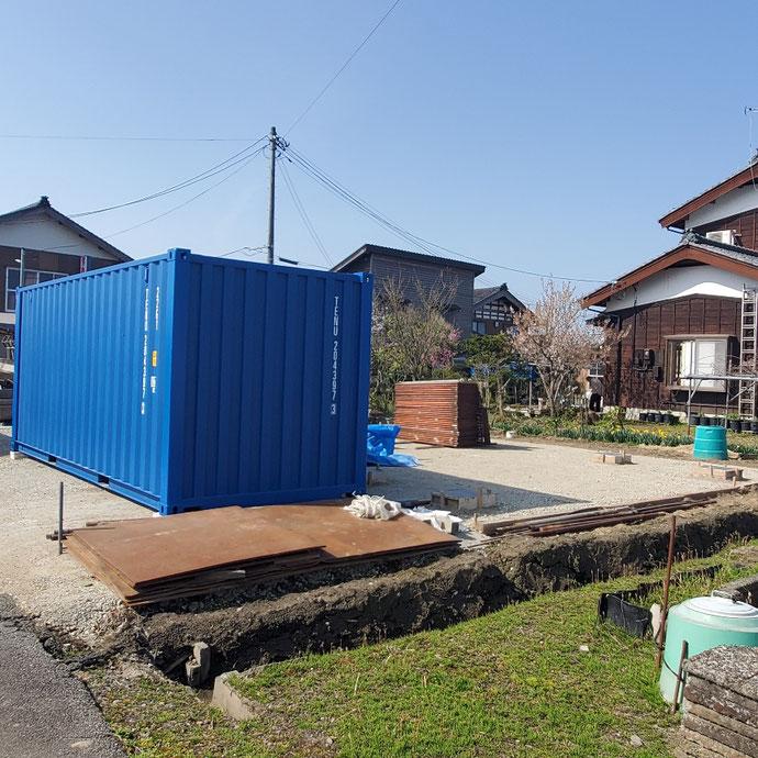 新潟県長岡市 NEWVANコンテナ20ftブルー設置
