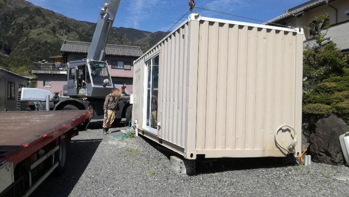 揖斐郡池田町→愛知県一宮市 中古コンテナ20ft窓付き移設