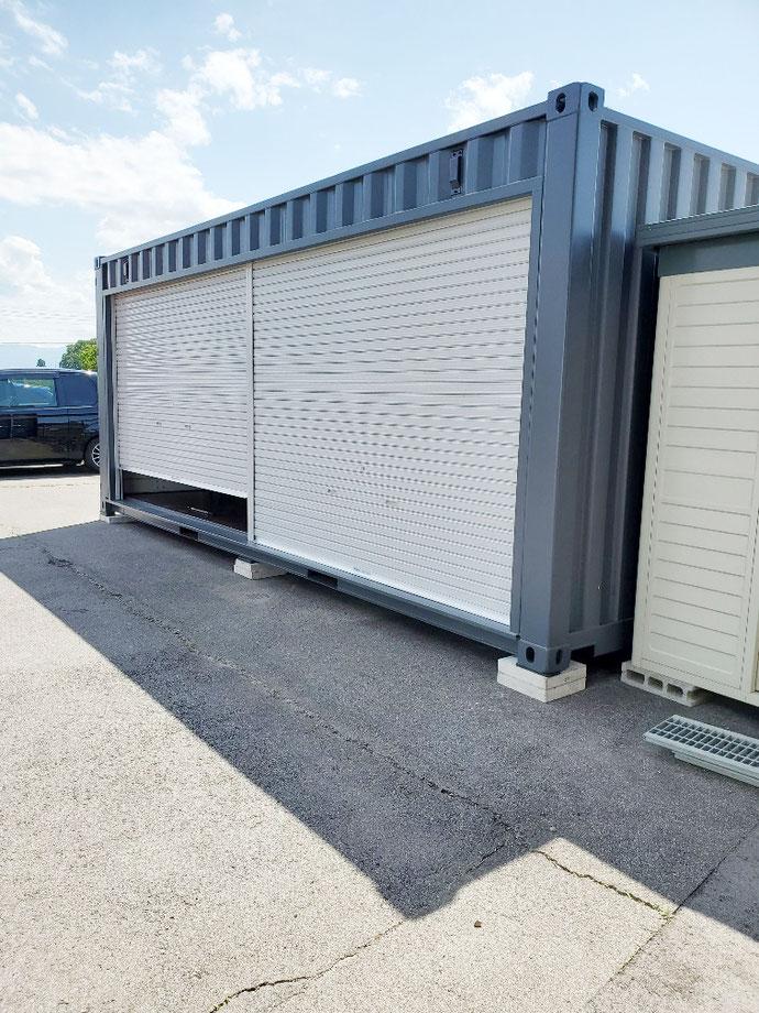 長野県安曇野市 NEWVANコンテナ20ftグレーフルシャッター付き設置