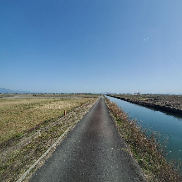 滋賀県守山市 中古2tアルミコンテナサイドドアシャッター付設置