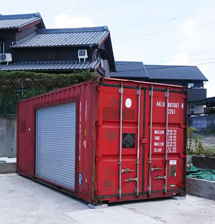 愛知県常滑市 中古コンテナ20ft3000シャッター付き、中古バルクコンテナ20ft設置
