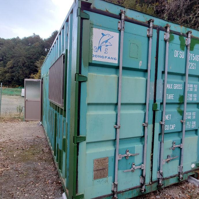静岡県駿東郡長泉町 中古コンテナ20ftドア・窓付納品