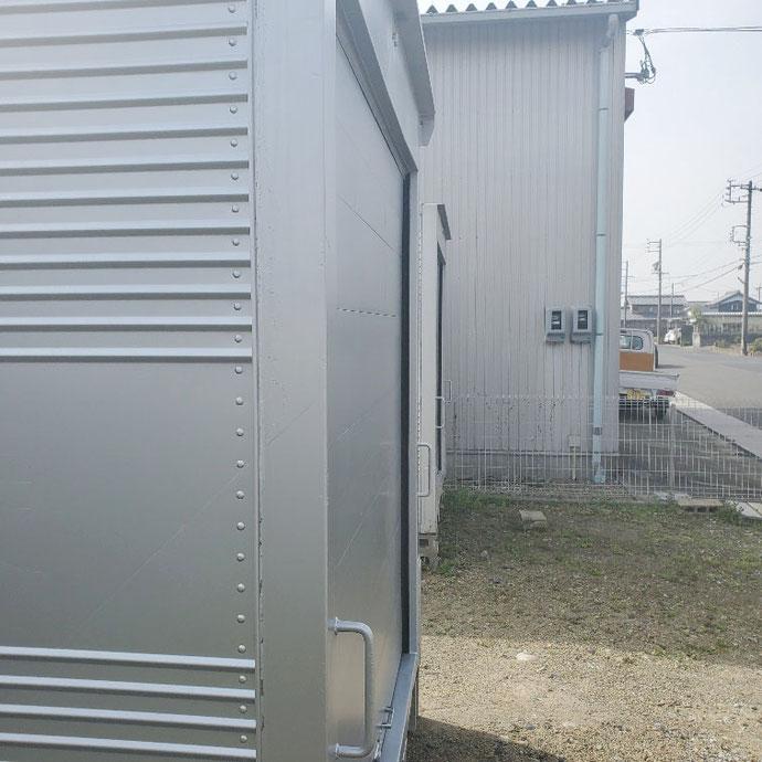 岐阜県羽島市 中古アルミコンテナサイドドアシャッター付き設置