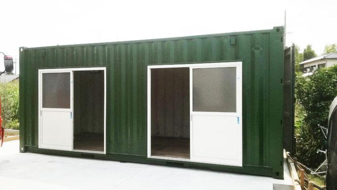 愛知県稲沢市 中古コンテナ20ftW引戸・換気扇・モスグリーン塗装設置
