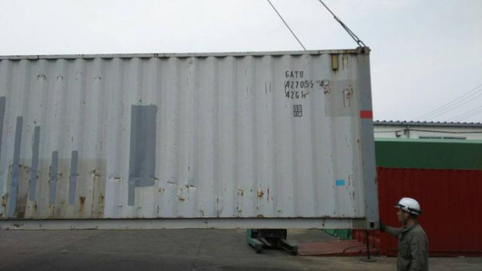 岐阜市柳津町 中古コンテナ20ftシャッター・窓付納品