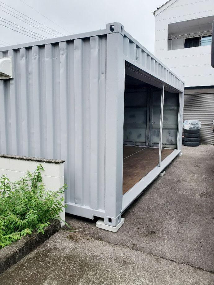 岐阜県各務原市 中古コンテナ20ftフルシャッター・換気扇付遮熱グレー塗装設置