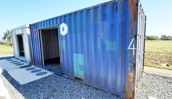 三重県多気郡 中古コンテナ20ft1800シャッター付設置