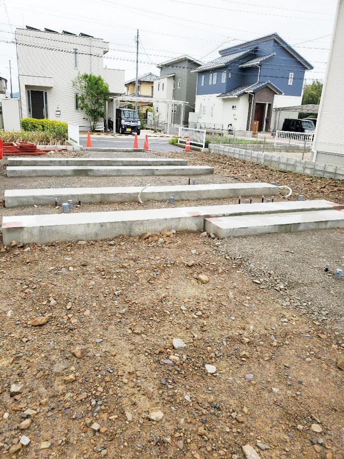 美濃加茂市 中古コンテナ20ft×2本・12ft貨物×2本開口+連結設置