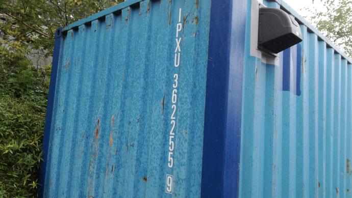 群馬県高崎市 中古コンテナ20ft換気扇付納品