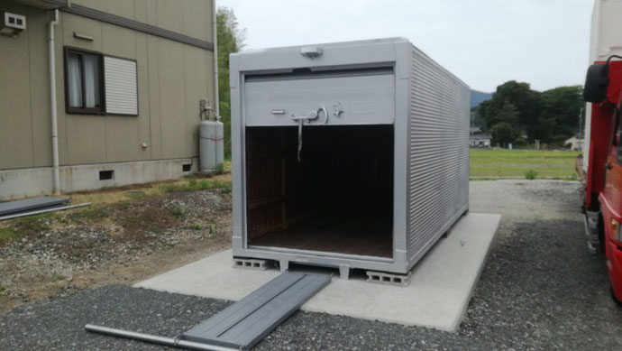 福井県敦賀市 アルミコンテナシャッター・サイドドア付き設置