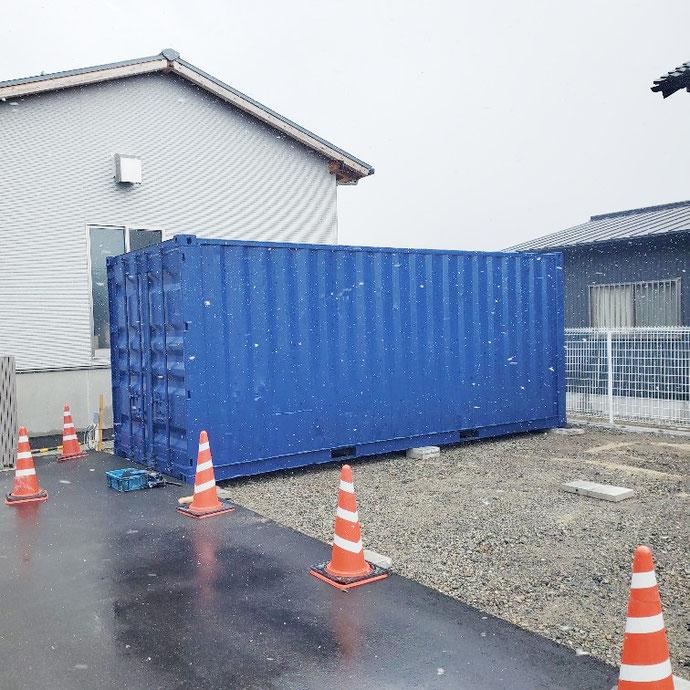 滋賀県彦根市 中古コンテナ20ftネイビーブルー塗装3本設置・1本移設
