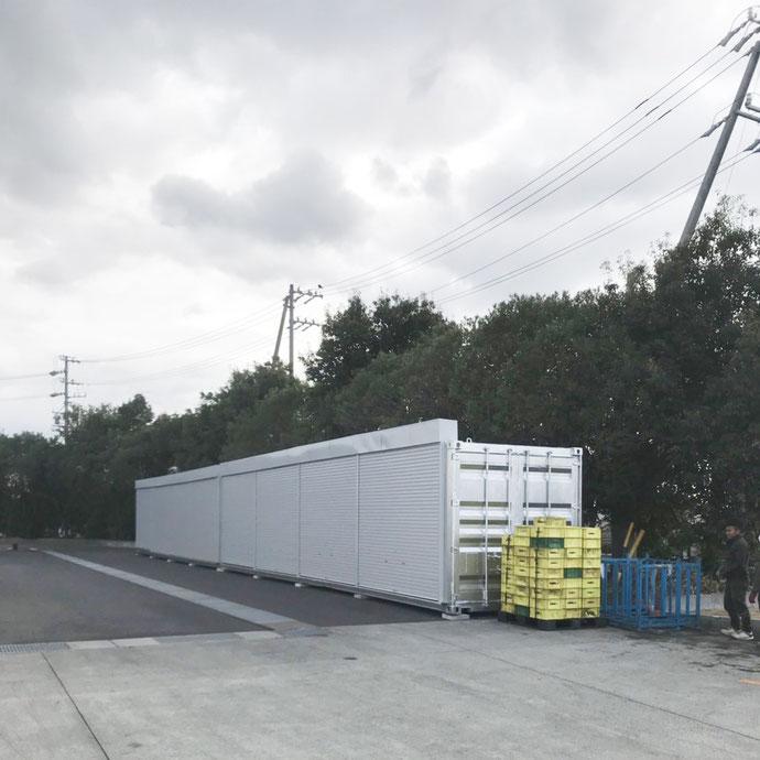 愛知県知多郡阿久比町 中古コンテナ13ftシャッター付マットブラック納品
