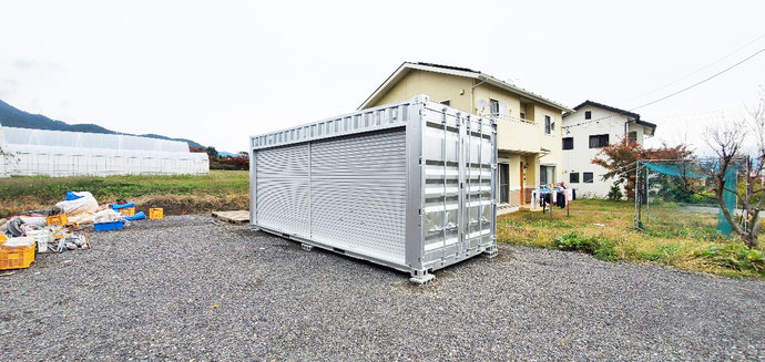 長野県伊那市 中古コンテナ20ftフルシャッター付シルバー塗装設置