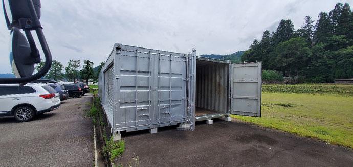 岐阜県高山市 中古コンテナ20ftシルバー塗装設置