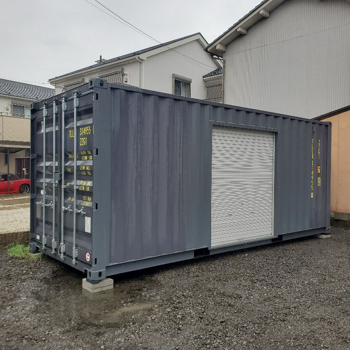 岐阜県岐阜市 NEWVANコンテナ20ftグレー1800シャッター付き設置