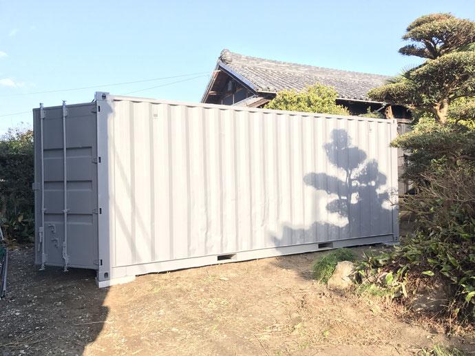 愛知県弥富市 中古コンテナ20ftシャッターグレー塗装 納品