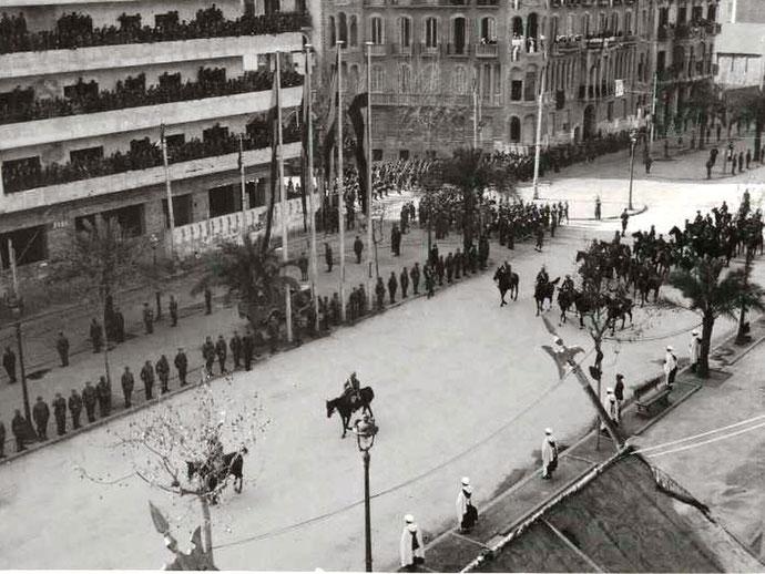 15. januar 1939: Francos kavalerienheder afholder parade på 'La Gran Via' i Barcelona