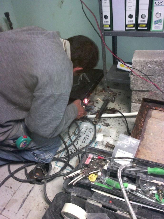 Construcción, fabricación de una tapa para aljibe en León, Gto.