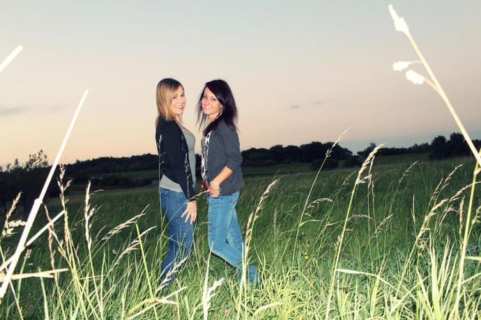Freunde sind Engel, die uns wieder auf die Beine helfen, wenn wir vergessen haben wie man fliegt. ♥