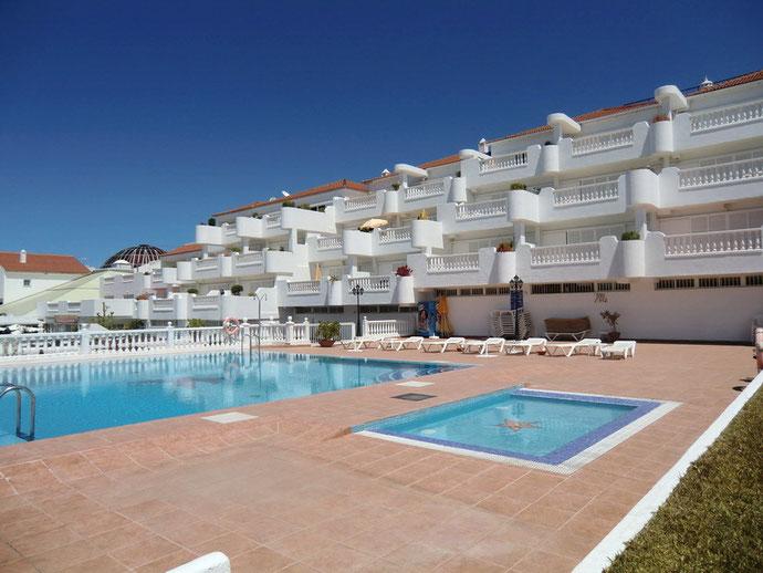 Apartment in einer neuen grosszügigen Anlage mit Pool, in La Paz zu kaufen.