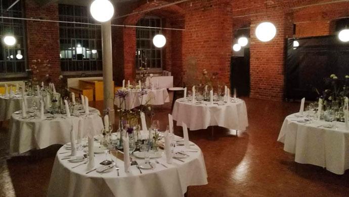 Veranstaltungsdeko, Eventdeko, Tischdekoration, Eventdecoration, Hochzeitsdeko, Events, Spinnerei, Deko, Dekoration, Tischdeko, Blumen, Blumendeko