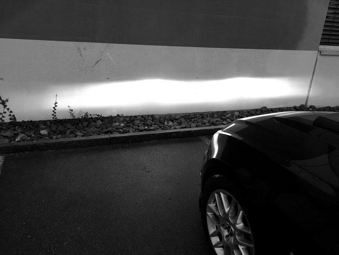 ford mustang lichtbild im neuen LED Licht by www.carlights.ch die alten H7 Halogen Lampen mit LED H7 von carlights.ch Swiss Made umgetauscht... Was für ein Unterschied:)