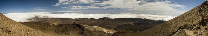 Ein gradioses Panorama auf dem Weg zum Gipel. Dieses Foto entstand aus 10 Einzelbildern.