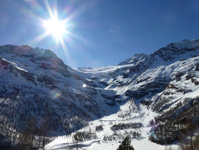 Skitour, Skihochtour, Piz Varuna, Engadin, Bernina, Schweiz, Terrasse Restaurant Alp Grüm