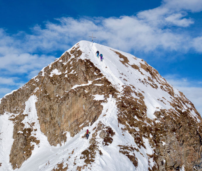 Skitour, Schwyz, Zentralschweiz, ÖV, Rossstelli, Weglosen, Twäriberg, Druesberg, Forstberg, Gross Mythen, Sommergipfel, Hauptgipfel