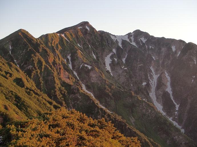 夜明けの鹿島槍ヶ岳