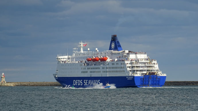 King Seaways quittant le port de North Shields.