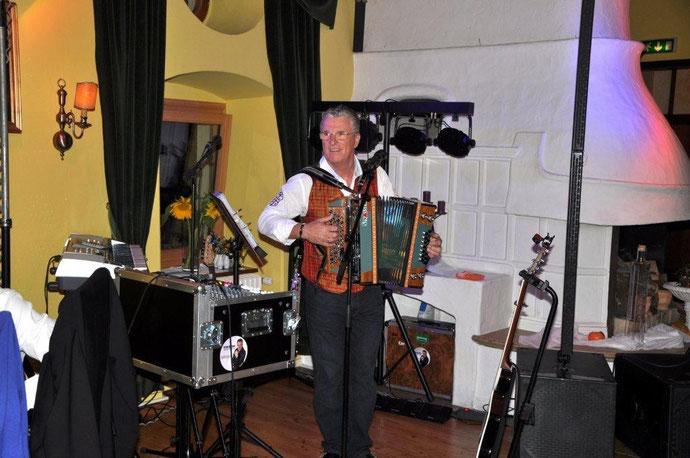 Peter Reicher spielt auf der Burg Deutschlandsberg/Juli 2012
