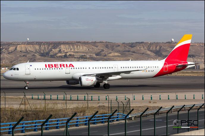 EC-ILP A321-213 1716 Iberia Líneas Aéreas de España @ Madrid Airport 23.11.2017 © Piti Spotter Club Verona