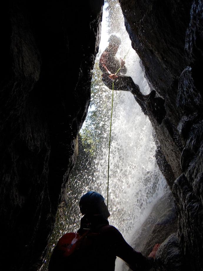 HAIMING: Spaß- und Trainings-Sprung für's Canyoning