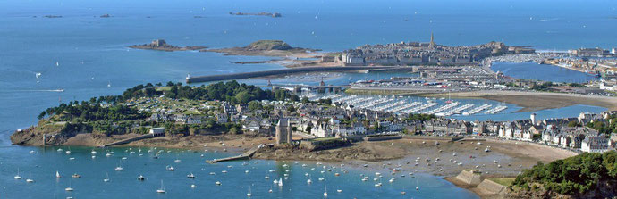 Saint Malo Intra Muros et son port.
