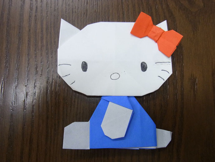 折り紙の 折り紙のリボンの折り方 : ... 。人気キャラの折り方が満載