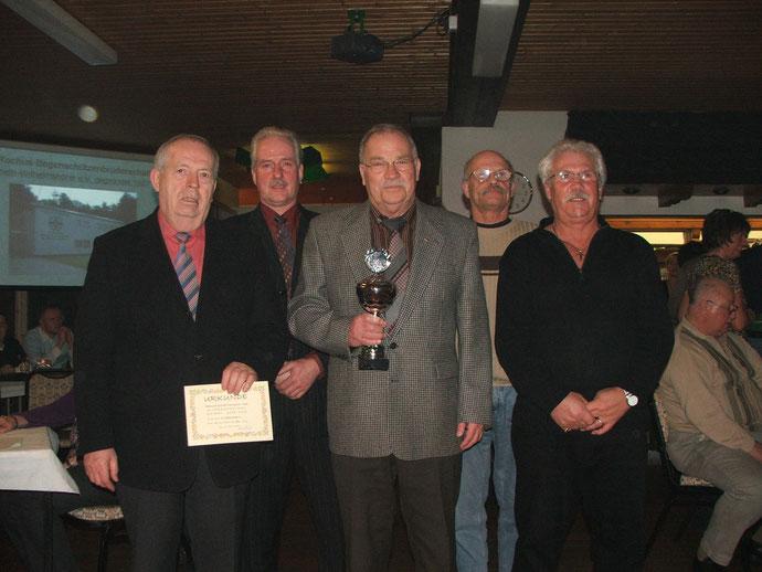 Siegerehrung 2009: Der Mannschafts - Sieger Röthgen 2, v. l. n. r.: Stefan Horres, Horst Bär, Walter Hüselitz, Hans-Peter Lagraff, Peter Kaulen.