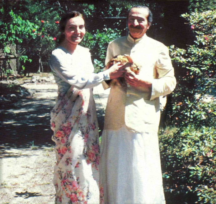 Meher Baba & Mehera at the Meher Spiritual Centre, Myrtle Beach ,S.C.,1952 : Glow - Feb.2003, cover
