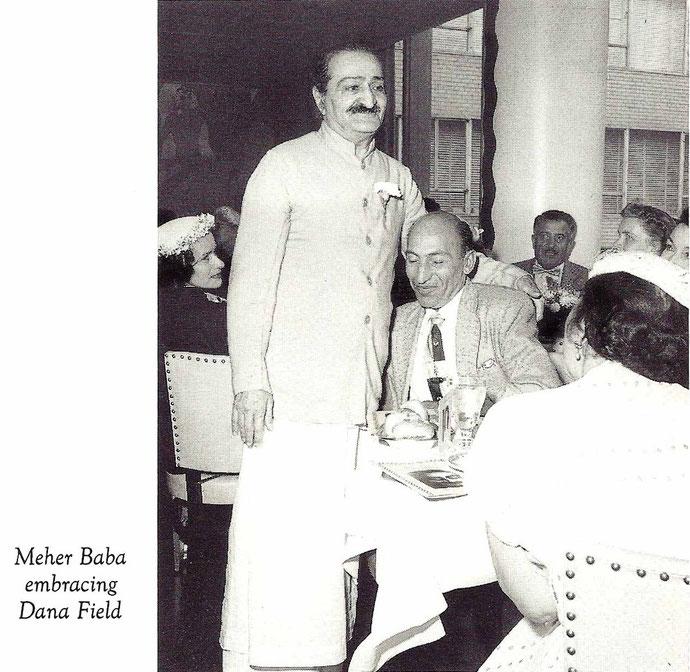 LM ; Vol.13-14, p 4969 - Baba and Dana at Longchamps Restaurant, New York - 1956