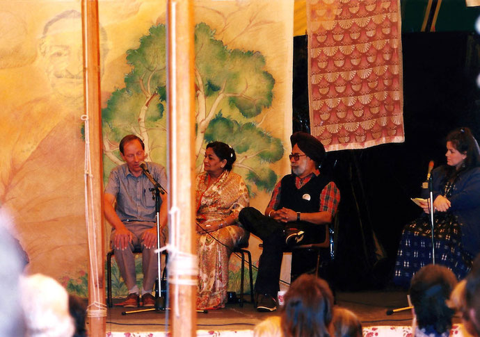 Photo taken by Anthony Zois ; Queensland Anniversary 1988  ( L-R ) Anthony Thorpe, Kusum, Mokham Singh & Wendy Borthwick [MC]