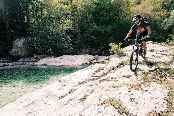 Mim Radl zum baden | Hitze und Abkühlung liegen im Soča-Tal nah beieinander
