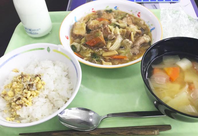 おいしい給食をいただきました。(給食費は支払いました(^^))