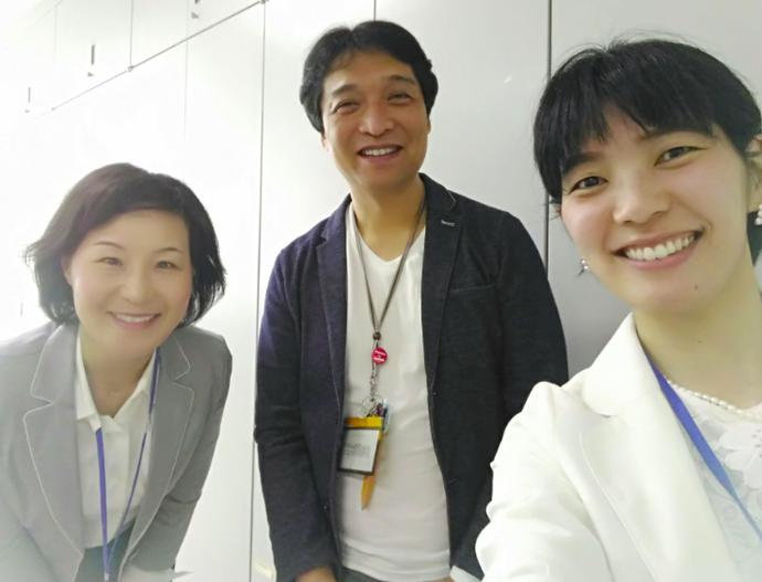 左から、橋本さん・山本先生・澤田