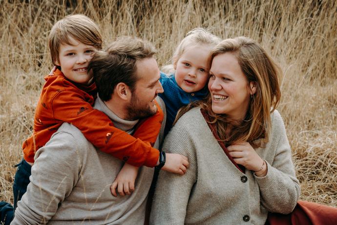 Fotografils-portret-gezin-familie-fotograaf-Essen-Ilse Wagemakers - familiefotograaf