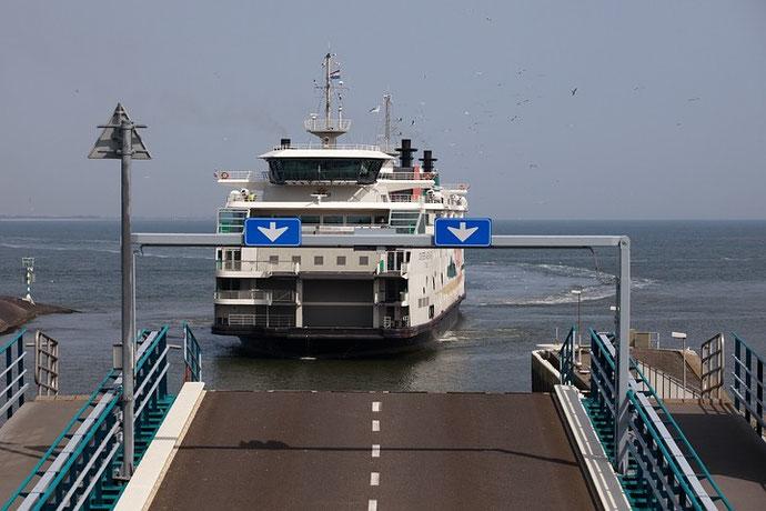 Die Überfahrt erfolgte mit der Fähre.