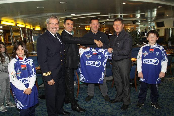 Le commandant Philippe Pieraggi, Pierre-André Giovannini, Christian Califano et Alain Del Moro : Bastia XV et la SNCM la main dans la main.